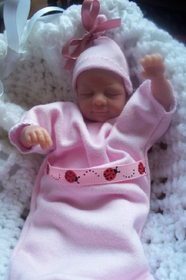 Stillborn baby burial gown girls clothes SNUG A BUG pink ladybird ribbon 20-24 w pregnancy