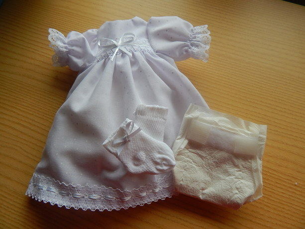 girls baby burial gown long dress DOTTY DAYDREAM white born 22-24 weeks