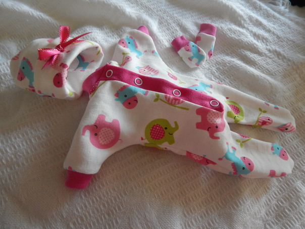 cutest baby burial clothes Girls PONY WONDERLAND born 23-24 weeks