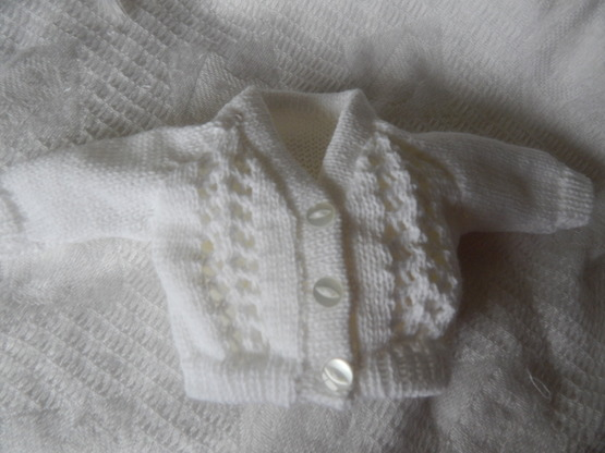 smallest baby burial clothes Knitted Cardigan SNOWDROP white born 24-25 weeks