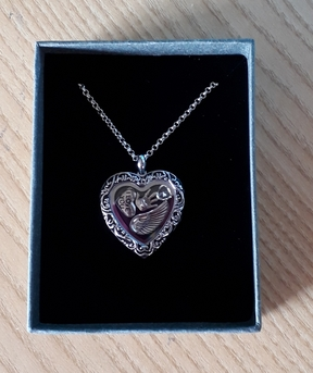 Baby Loss Awareness Memorial Jewellery heart pendant WINGS LOVE