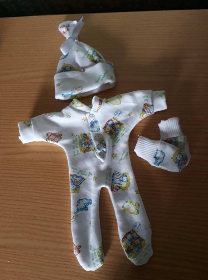 boys stillborn baby clothes burial born at 23 - 24 week NURSERY RYHME