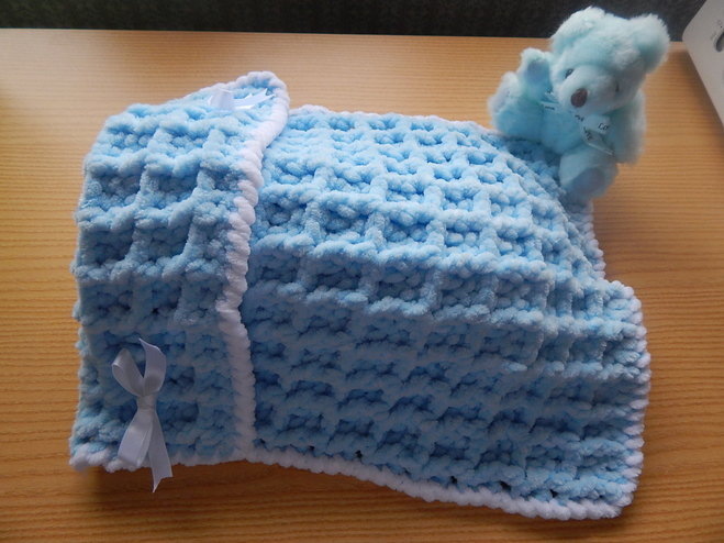 miscarriage tiny baby loss blankets Blue LUXURY SNUGGLES born 23-25 weeks