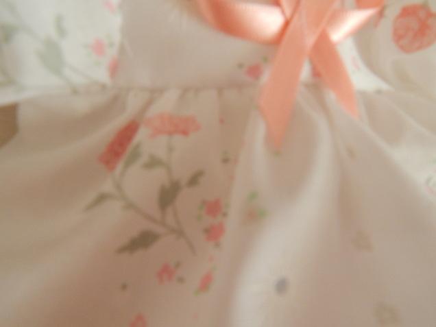 tiny girls baby burial gown dress set DOTTIES GARDEN 0-1lb born  23-24 weeks