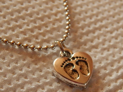 baby loss jewelry uk  keepsake memorial pendant NEAT FEET silver