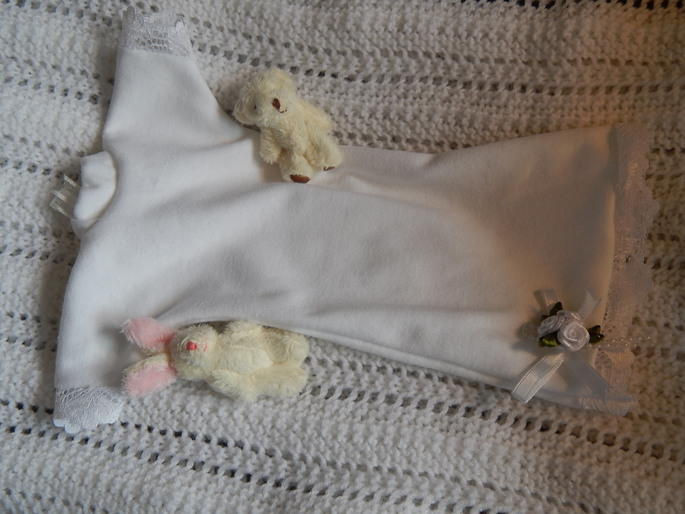 premature baby burial gowns White tiny Dress CONTENTED CHILD 22-25 Weeks
