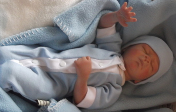 infant baby burial clothes LITTLE LAD delivered at 23-24 weeks small sizes