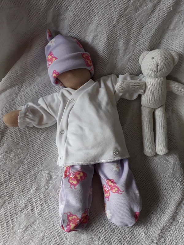 girls baby burial clothes born at 24 weeks approx weight 1-2lb BUTTERFLIES