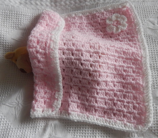 SMALLEST infant burial Blanket Baby girl Crochet LITTLE BLOOM wigan pink size 22-24 week