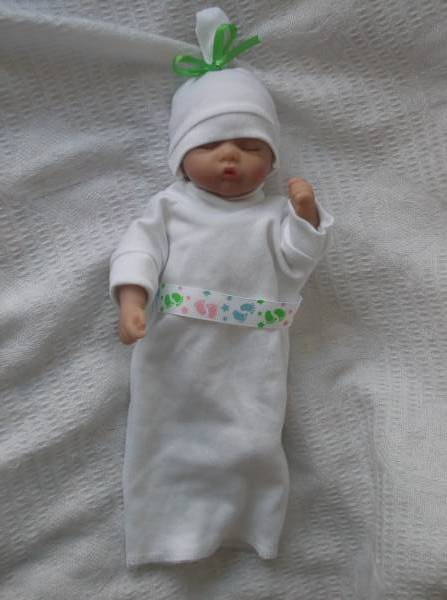 unisex baby burial clothes tiny Angel babies LITTLE FOOTPRINTS 0-1LB