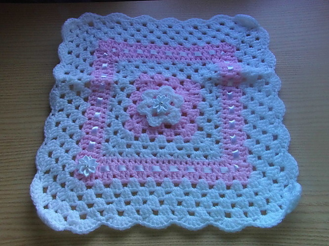 baby burial blanket babies coffin White with Pink  born 23-25 weeks