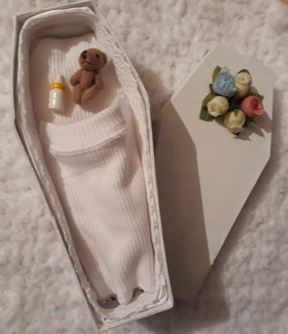 tiny baby coffins miscarriage at 12 -14 weeks FLOWERS FULFILL