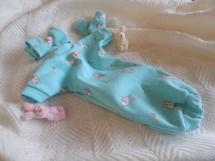 Baby girls burial gown born 23-25 week BUNNY KINGDOM tiny babies dress