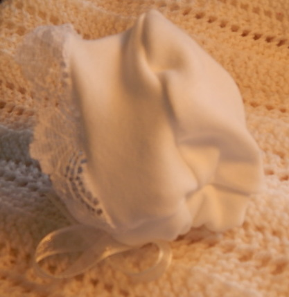baby burial clothes white bonnet CONTENTED CHILD born 22-25 weeks stillbirth
