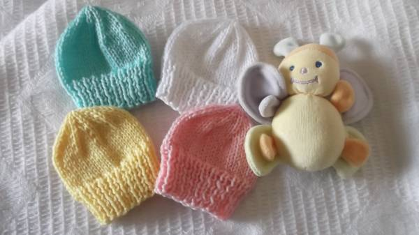 Tiny baby burial hat baby stillbirth born 22-24 weeks gestation REFRESHING COLOURS