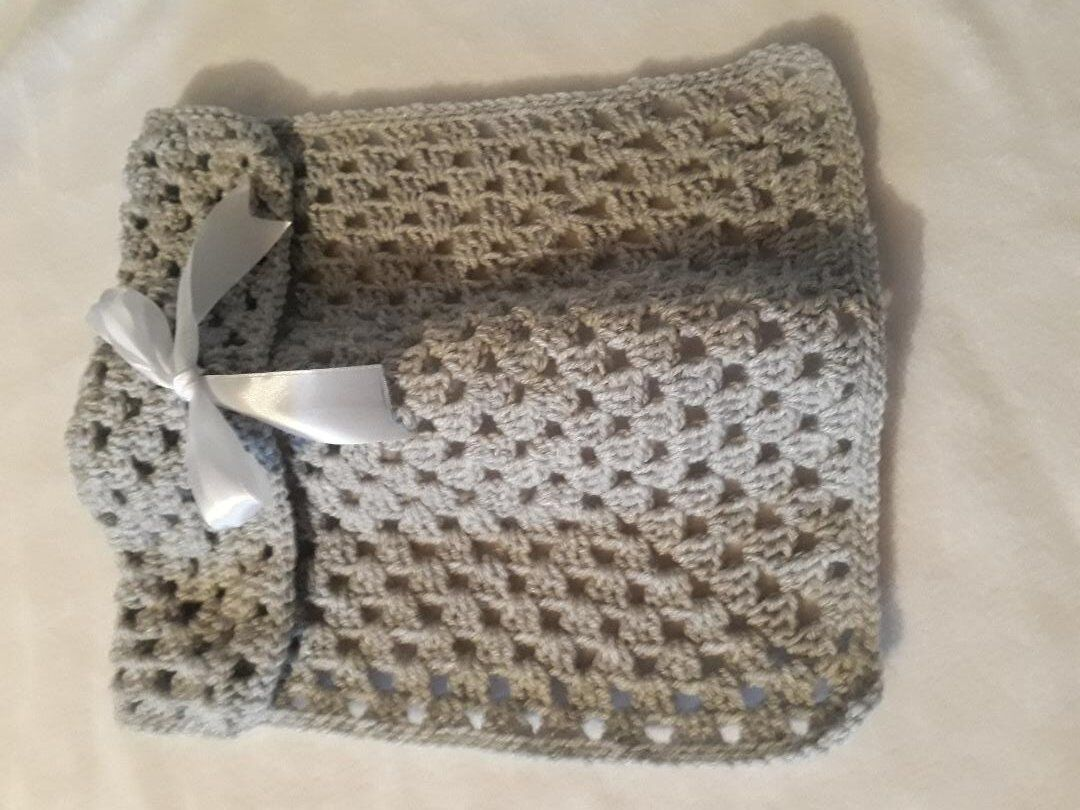 smallest baby burial blanket BOWGREY unisex crochet born at 20-22 weeks