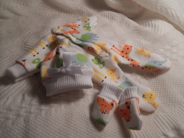 Preemie babies MICRO stillborn baby burial clothes ZOO LOGICAL born 19-21 week